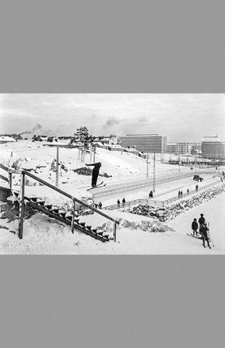 Mäkihyppääjä Helsinginkadulla 1930